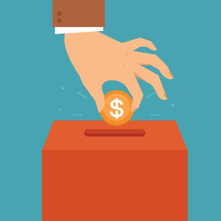 mão colocando moeda em caixa por incentivo fiscal