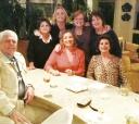 No último novembro, na casa de região dos Bancários (esquerda para direita): Hélio Lobo Junior, Tania Nunes, Sandra Lobo, Angela Pierrotti, Rosa Maria Angelini Lopes. Sentadas: Sandra Hessel e Maria Cristina Nery