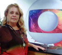 """A itapetiningana Josiane Alciati nos estúdios do Projac, TV Globo, onde faz figuração na novela """"Sete Vidas"""", às seis e meia da tarde"""