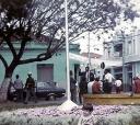 Costume  também na cidade, onde moradores compartilhavam-se em aglomerado nas calçadas