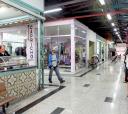 Hoje o Mercadão é constituído por lojas, quitandas, bares, barbearias e outras atividades comerciais
