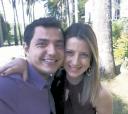 Da TV TEM de Sorocaba, os repórteres Juliana Furio e Douglas Brito (ele, do TEM-Esporte) casaram-se no civil, lá - Foto: Divulgação