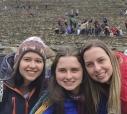 As irmãs itapetininganas (esquerda para a direita) Erica, Vitória Mariah e Barbará, todas estudantes de Medicina, em Machu Picchu, Peru, no último fevereiro, em excursão.