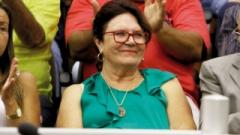Após a votação favorável, a presidente da Câmara, Maria Lúcia Haidar, diz que respirou aliviada