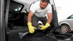 Proprietário do lava-rápido, Ernando Costa Junior, afirma que além de lavar o veículo por fora, é necessário realizar a limpeza e higienização por dentro, evitando até problemas de saúde