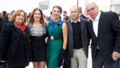 Os filhos do professor Antonio Belizandro Barbosa Rezende, que da nome à Fatec, Luciana, Ângela, Marcelo e Odion, junto com a diretora Isolina Maria