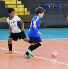 O torneio esportivo reuniu centenas de atletas com idade entre 8 e 14 anos de toda a cidade