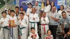 Integraram a delegação, o Grão Mestre Claudio Ribeiro e os técnicos Albert Freitas, Rayana Freitas, Weverton Souza, Fabio Camilo e Luciano Gonçalves.