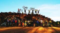 E, para incentivar as futuras gerações, todo sábado, os ciclistas se reúnem para o Pedal Kids