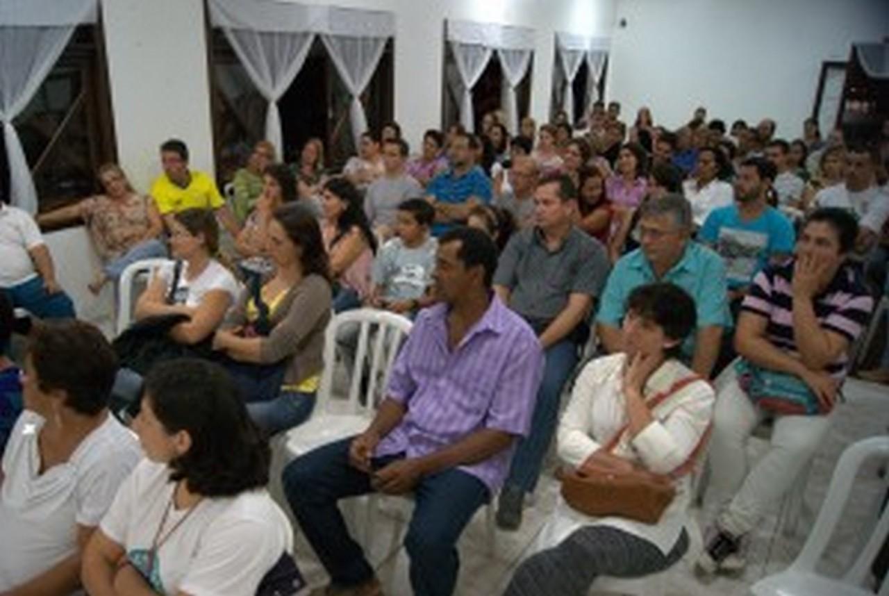 Servidores voltarão a se reunir em 28 de maio