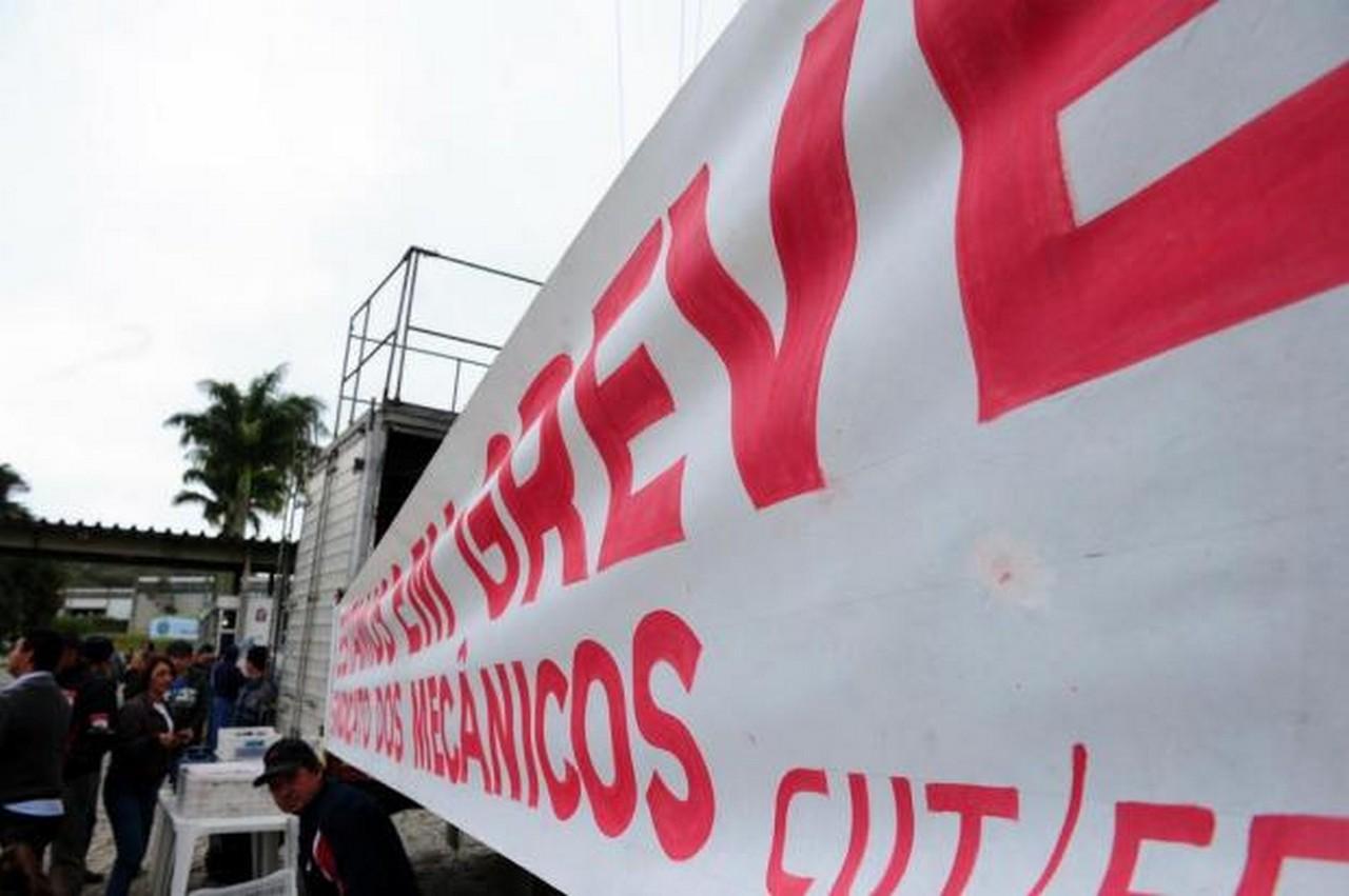 Paralisação foi por atraso nos salários. Foto: Salmo Duarte/ Agência RBS