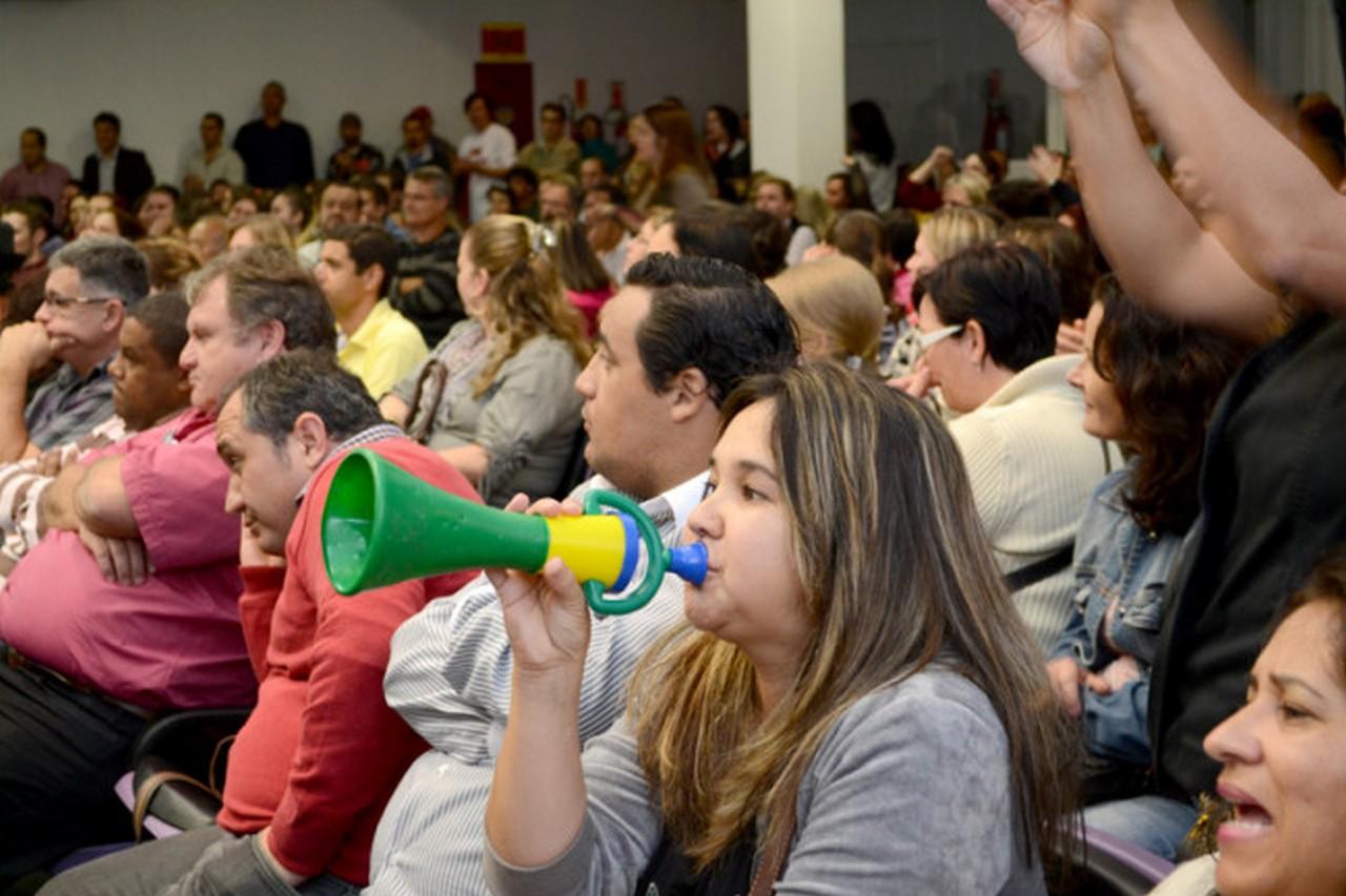 Servidores indignaram-se com a postura da maioria dos vereadores I Foto: Francine Hellmann
