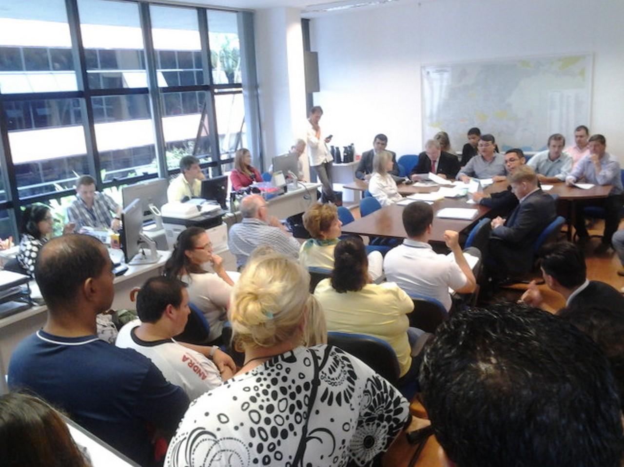 Servidores se manifestaram na Câmara contra os projetos I Foto: Johannes Halter