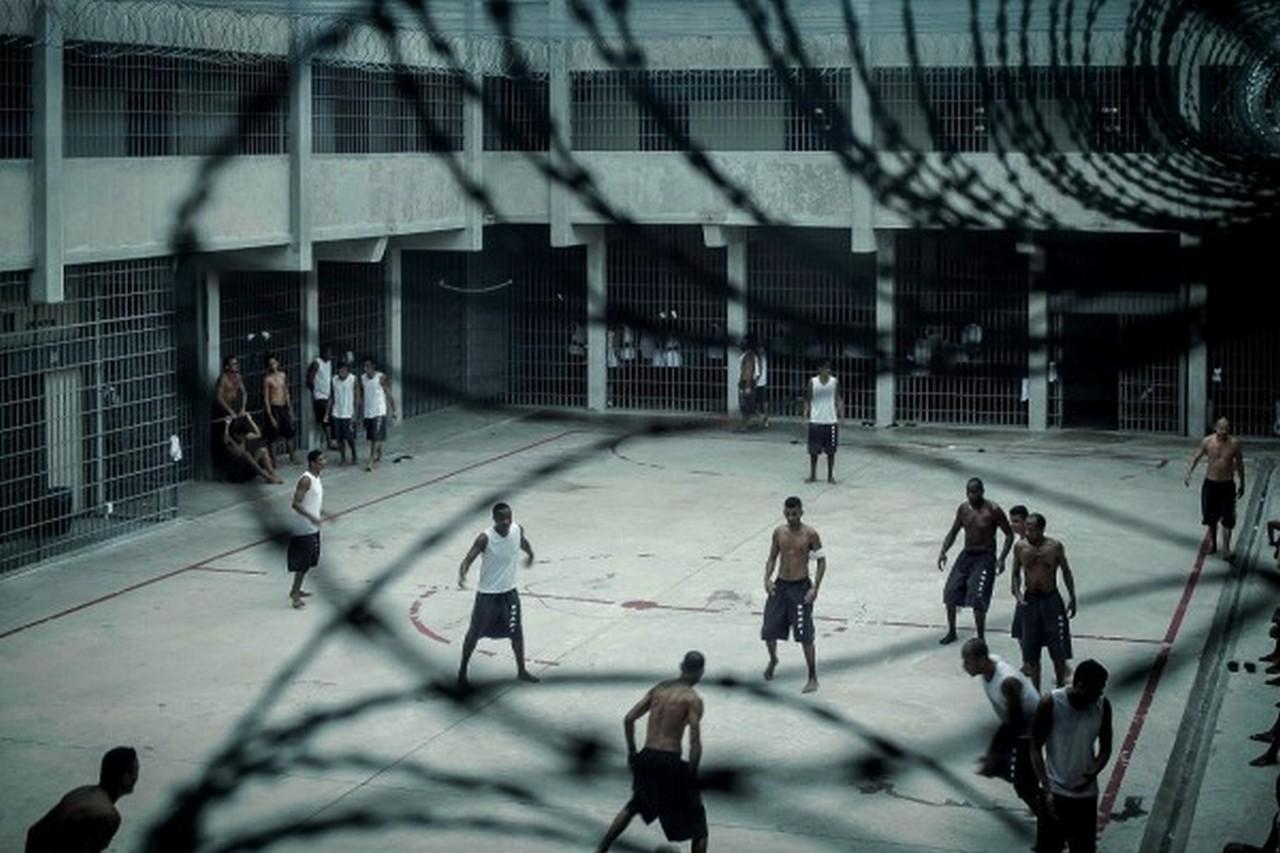 Pátio da penitenciária de Ribeirão de Neves, MG. Foto I Peu Robles