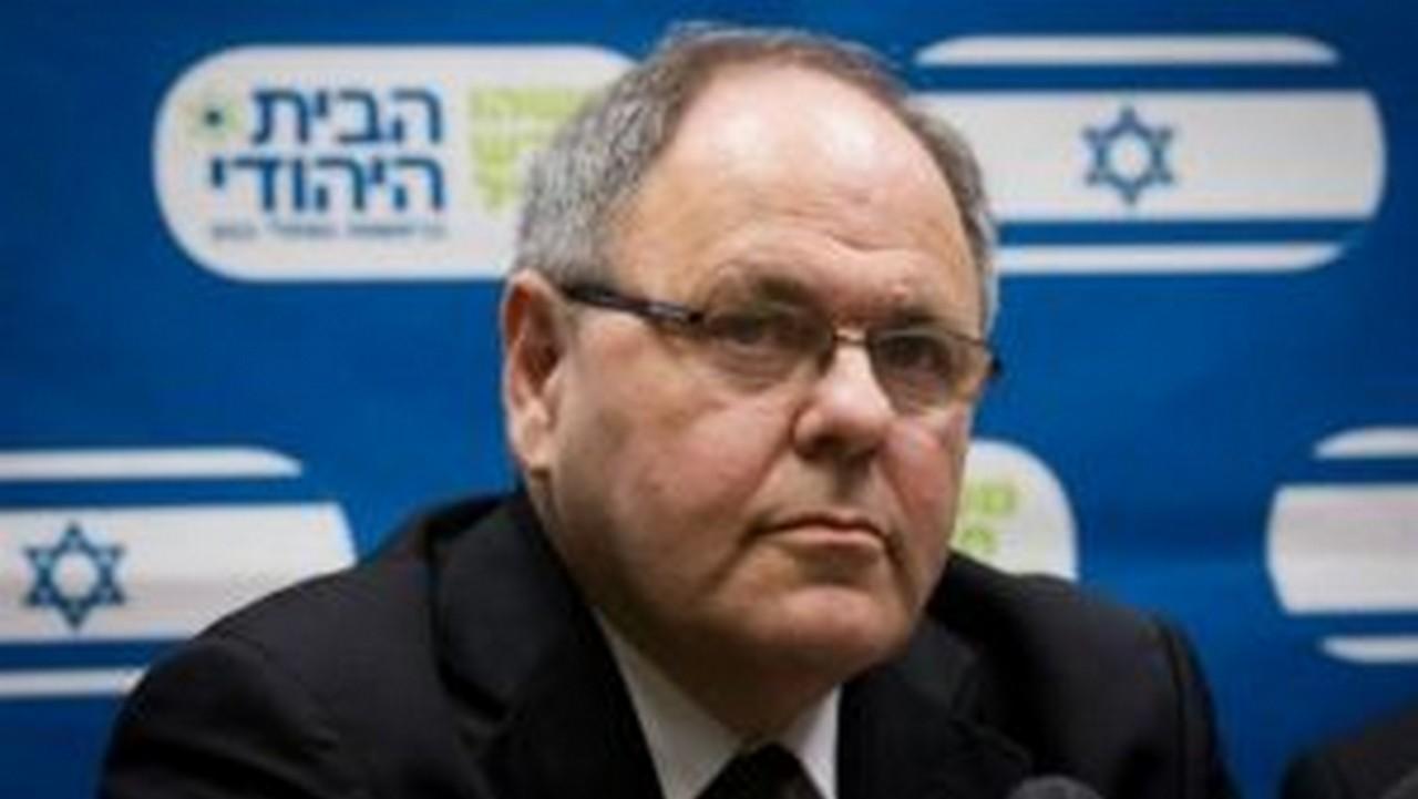 Dayan é conhecido como um dos maiores defensores da política de construção de colônias exclusivamente judaicas em território palestino