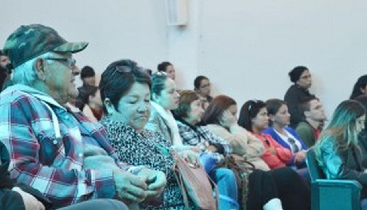 A comunidade também esteve presente, apoiando os trabalhadores I Foto: Aline Seitenfus