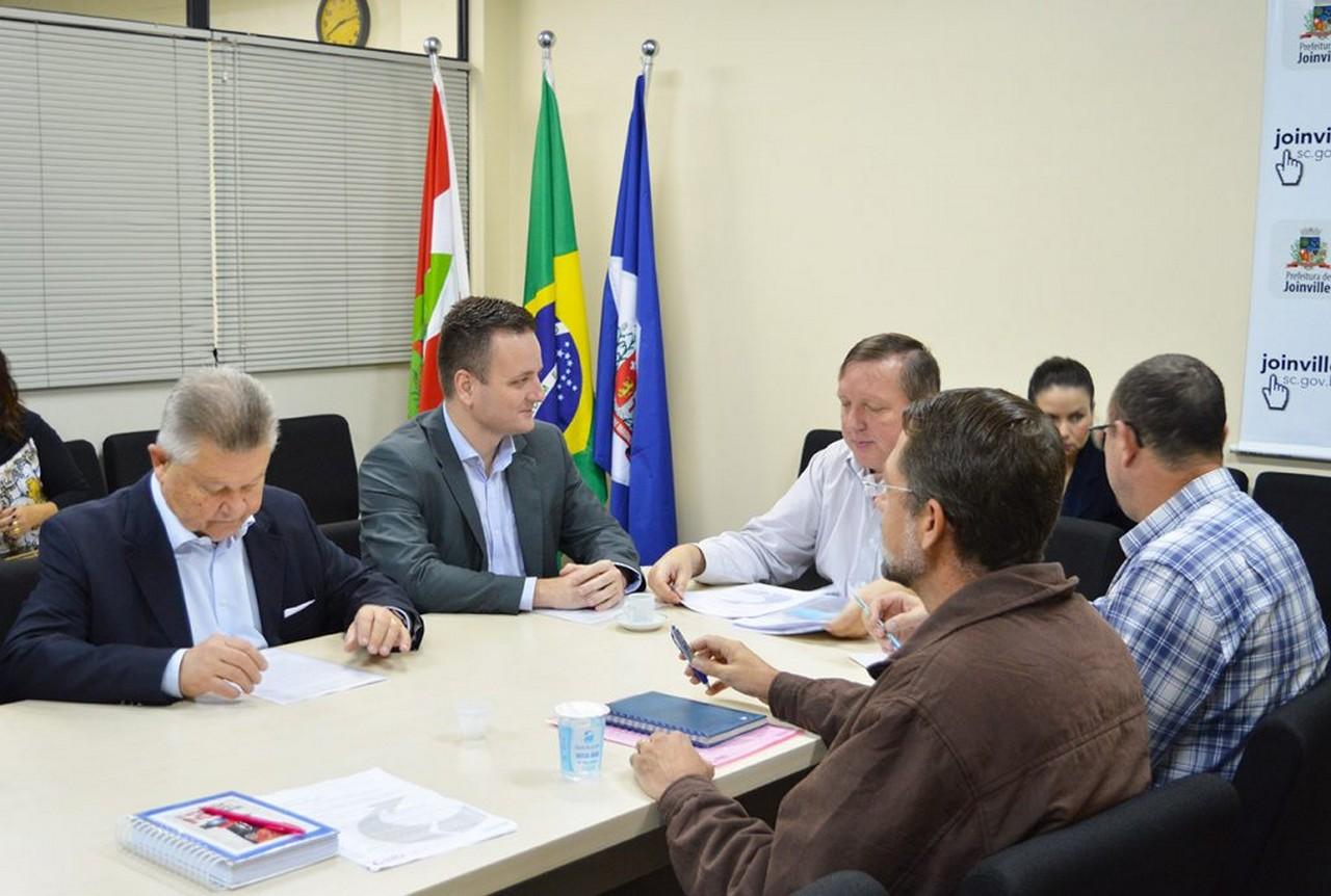 Sexta reunião entre Sinsej e Prefeitura termina sem nenhum avanço para os servidores de Joinville I Foto: Aline Seitenfus