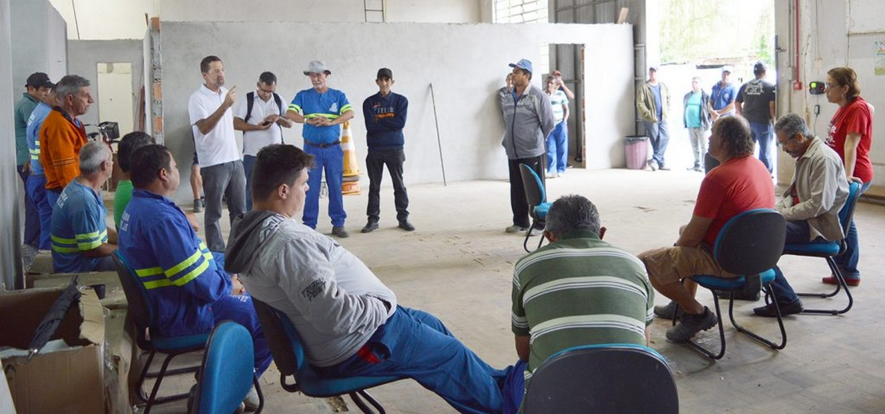Servidores da Subprefeitura Sul repudiam perseguição política da Prefeitura I Foto: Aline Seitenfus