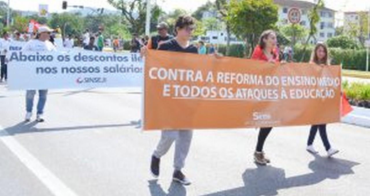 Reforma do ensino é destruição da educação pública