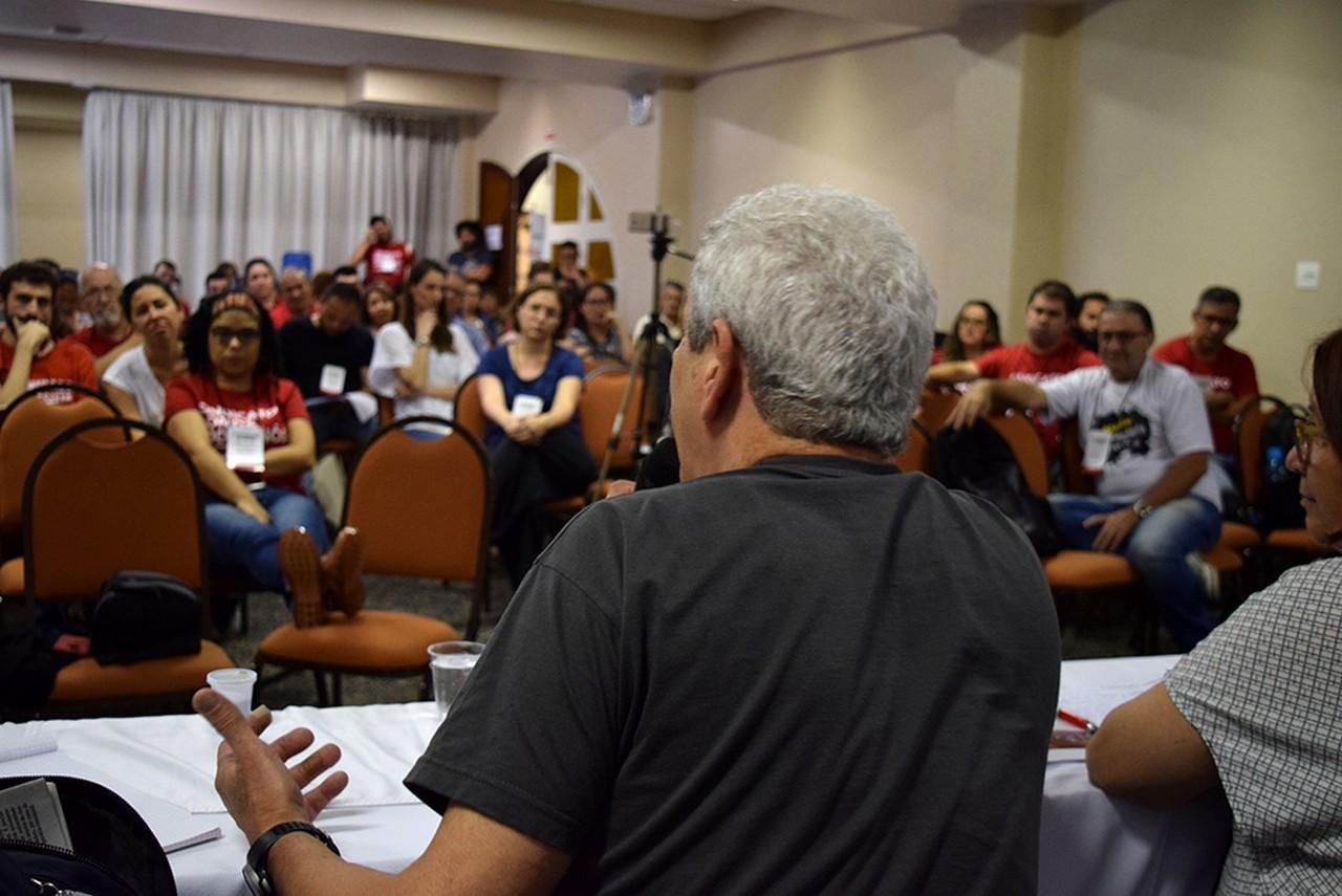 Delegados discutem conjuntura e as tarefas | Foto: Kályta Morgana de Lima