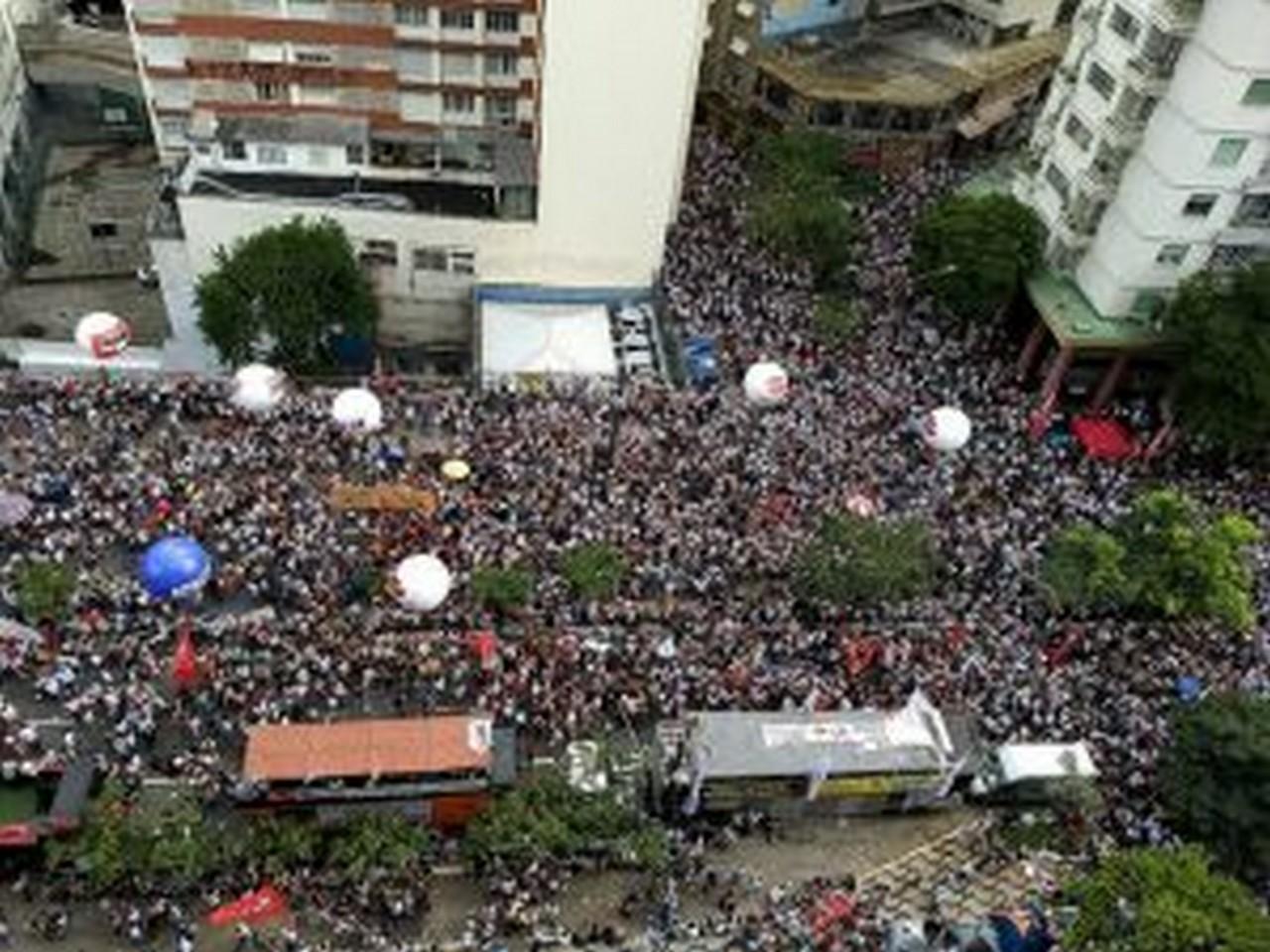 Cerca de 100 mil trabalhadores participaram de manifestação