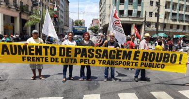 Movimentos sociais pressionam Paulo Câmara (PSB) por transporte público de qualidade.