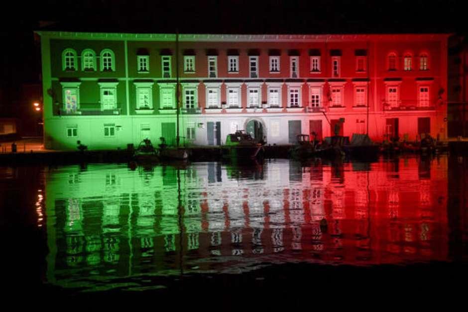 Itália: nº de novos casos volta a subir e quase dobra em 24h
