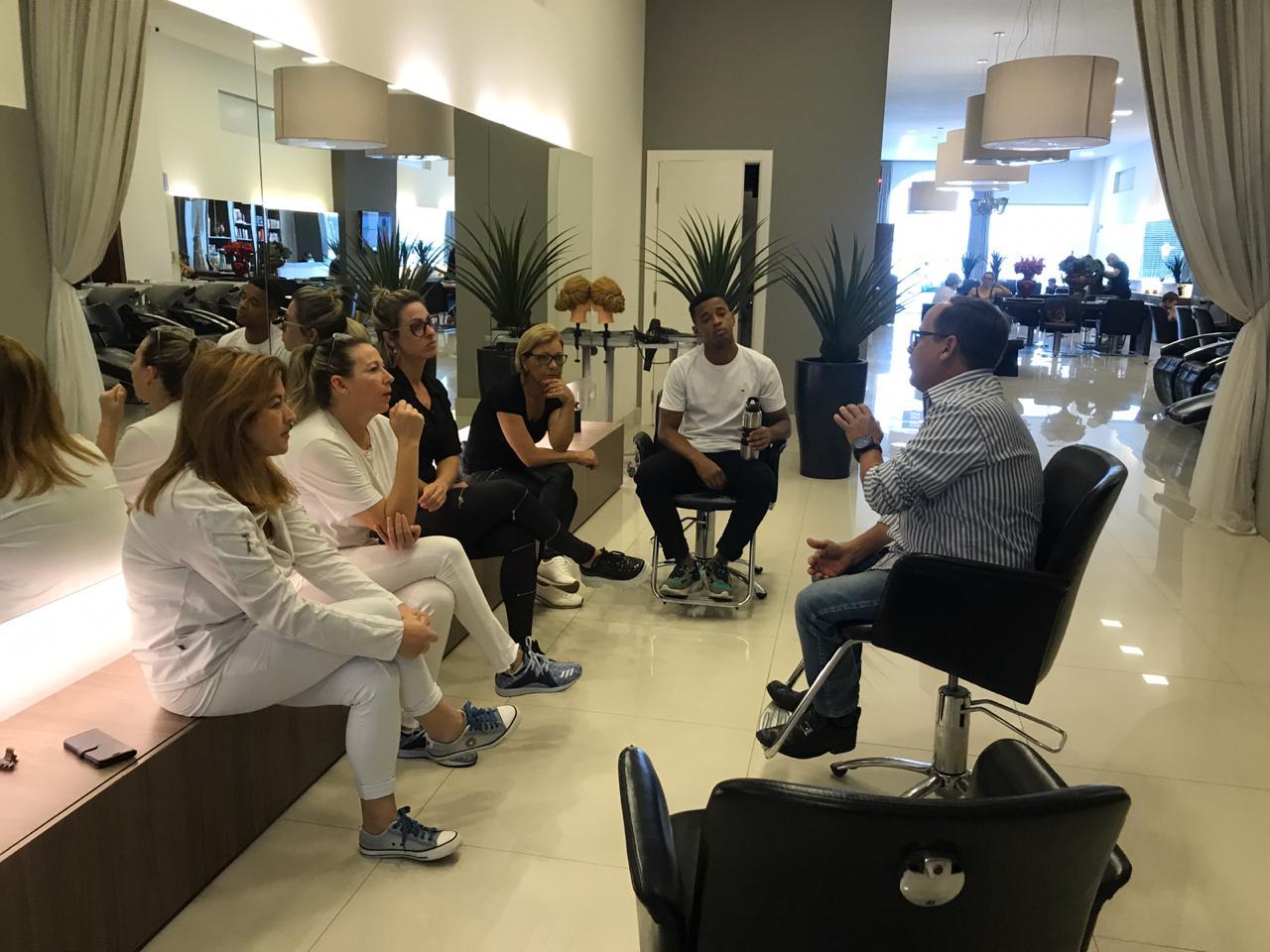 Reuniões com Profissionais-Parceiros de Salões de Beleza