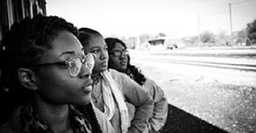 IBGE: Trabalhador branco recebe 75% a mais que pretos e pardos no Brasil