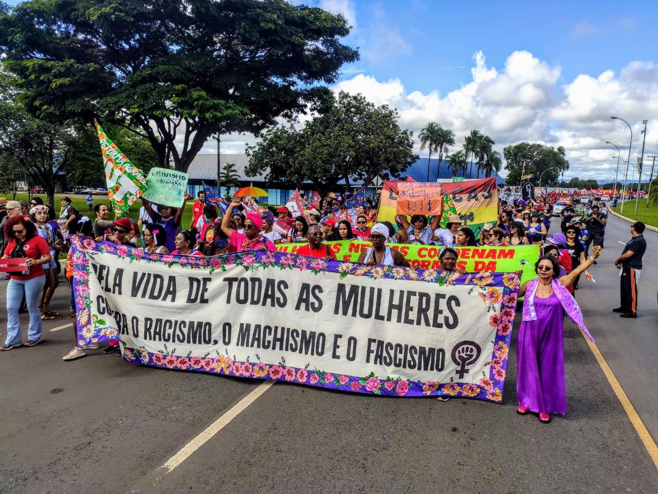 Mulheres abrem jornada de lutas em defesa da democracia e dos direitos
