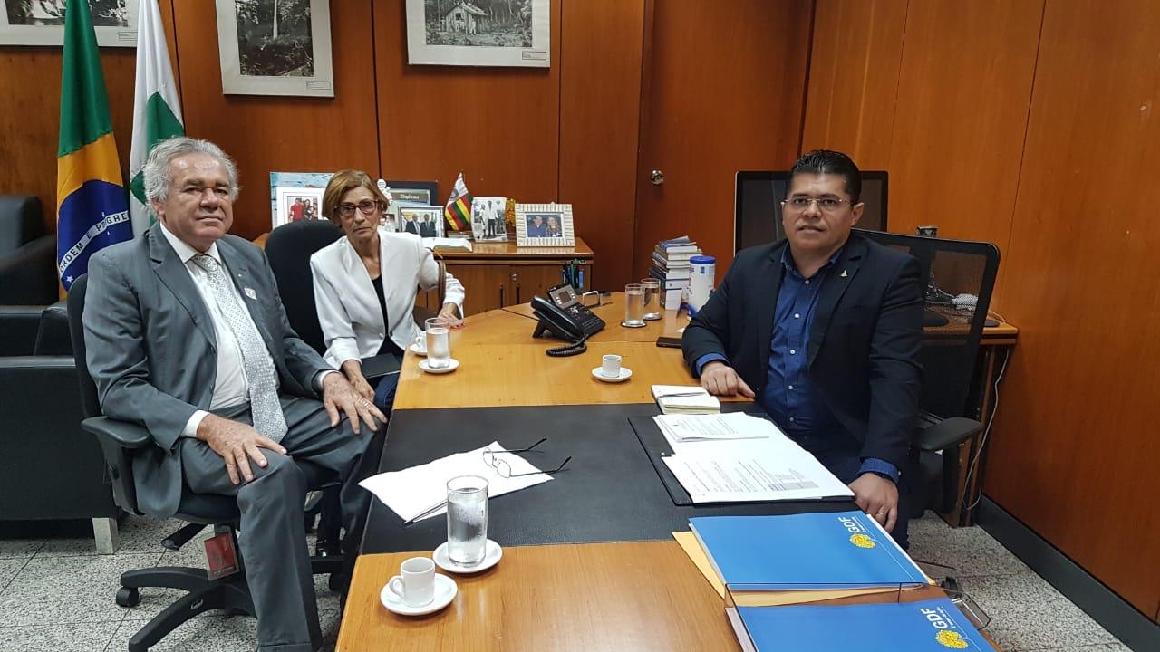 Sindiserviços-DF contesta lei do GDF que retira direitos dos trabalhadores terceirizados