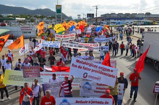 Manifestantes reivindicam prioridade  à agenda de luta da classe trabalhadora