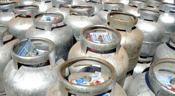 Novo aumento do gás de cozinha 'esfola' bolso do povão