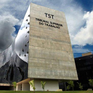TST aprova instrução que define marco temporal para aplicação da reforma trabalhista.