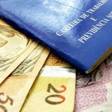 Empresa que não paga 13º leva multa de R$ 170 por funcionário; prazo para pagar 1ª parcela termina nesta sexta