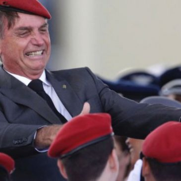 No país da terceirização e até trabalho escravo, Bolsonaro diz que ''ser patrão é horrível'' pois lucra-se pouco