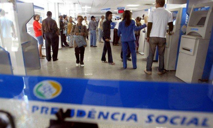Bolsonaro oferece cargos e R$ 4 bilhões a deputados para aprovar reforma da Previdência
