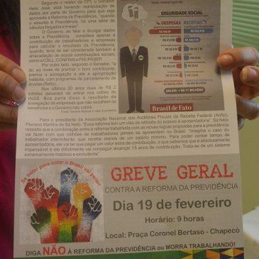 Centrais sindicais realizam ações em defesa da aposentadoria em Santa Catarina