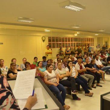 Servidores de Faxinal dos Guedes decretam Estado de Greve