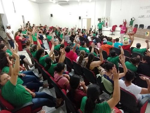 SERVIDORES DE ABELARDO LUZ ENCERRAM A GREVE MEDIANTE A CONQUISTA DO AUMENTO DOS VENCIMENTOS E PARTICIPAÇÃO NA REFORMA ADMINISTRATIVA