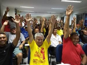 Trabalhadores da limpeza pública aprovam lançamento da campanha salarial 2018