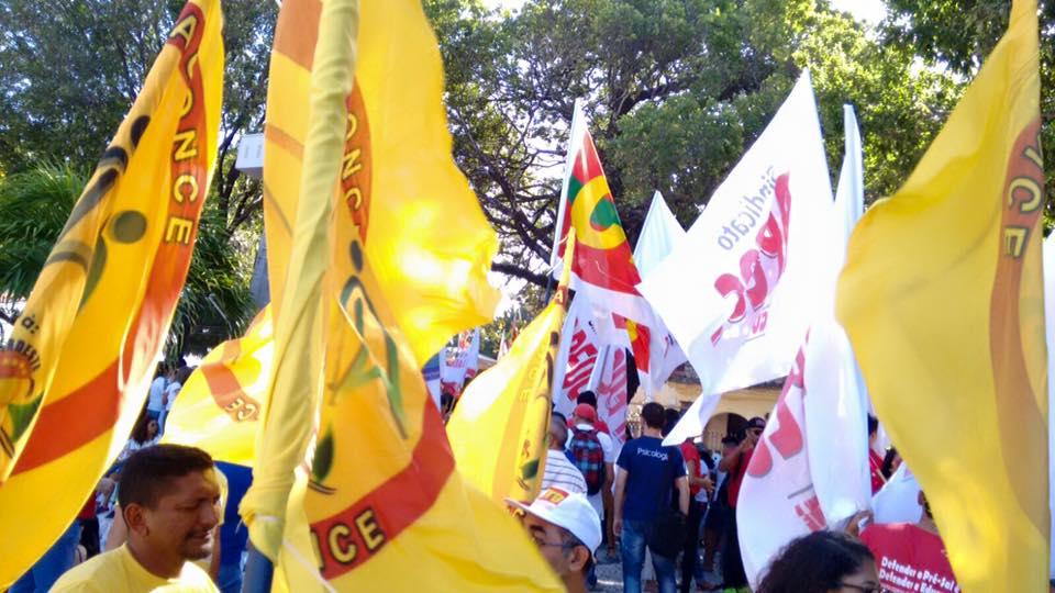 Dia de defesa da democracia com o Seeaconce