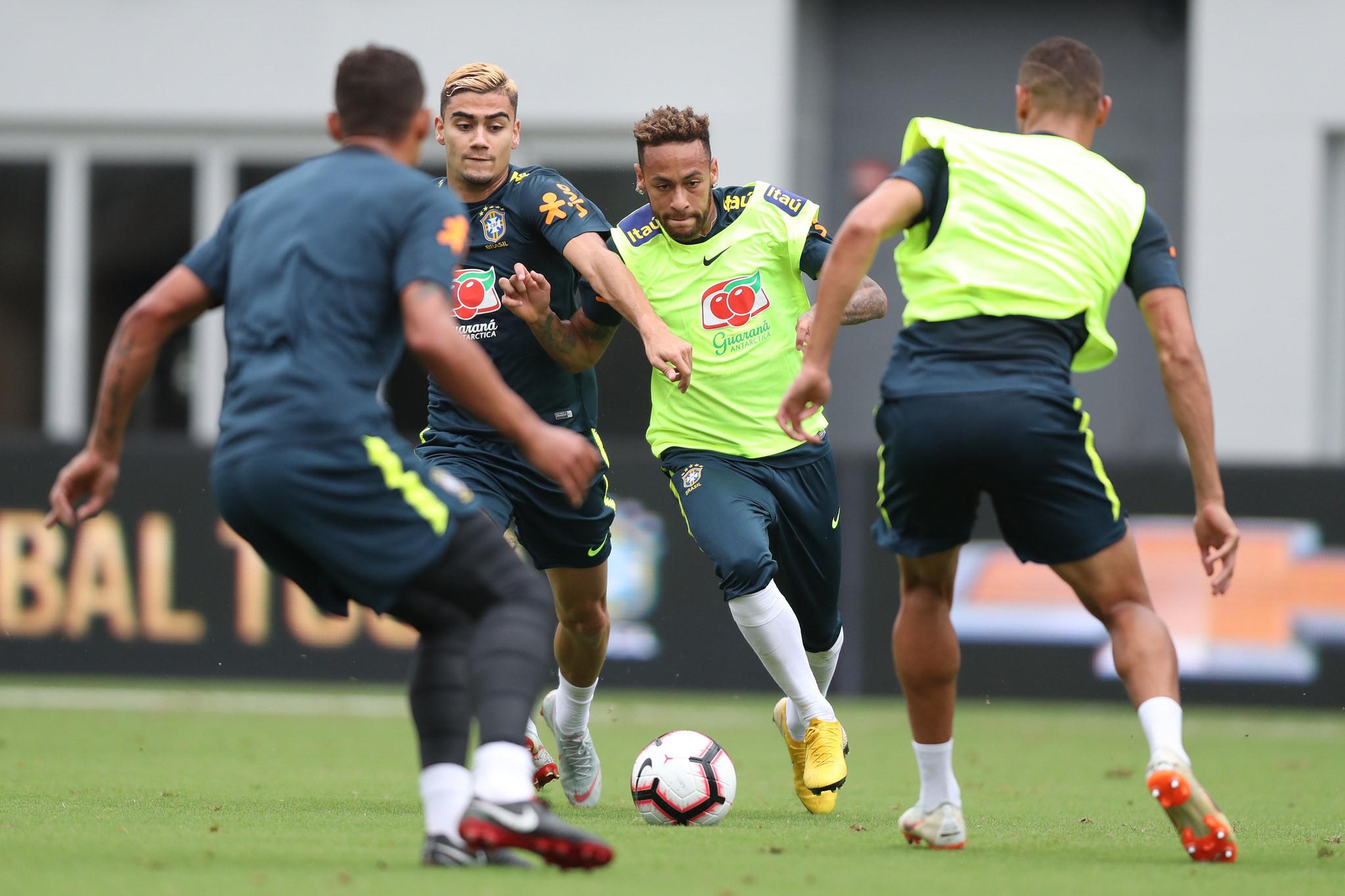 Equipe brasileira terá seis mudanças no time titular contra El Salvador