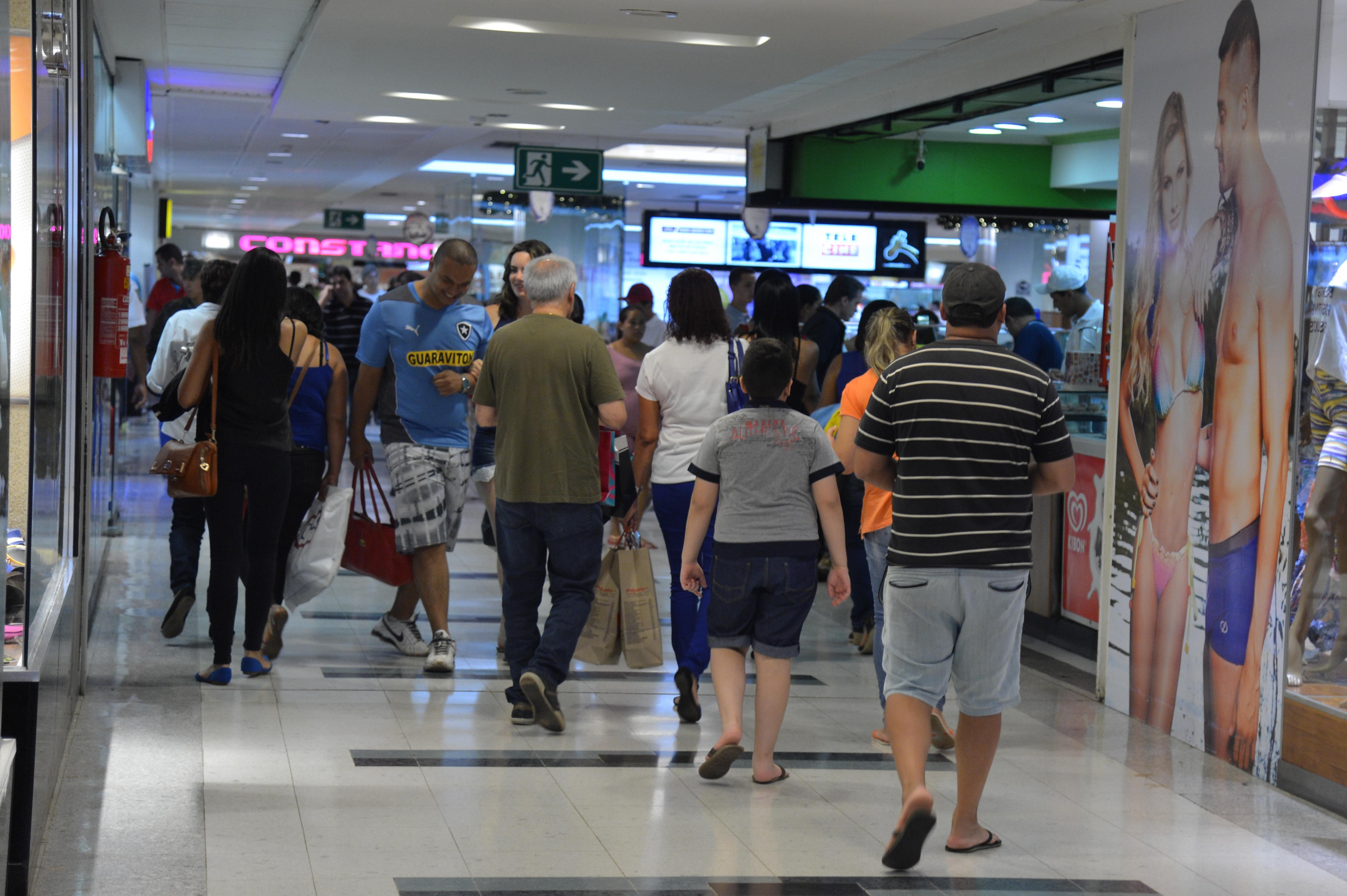 5717c4db8 Pesquisa revela que 78% dos consumidores devem ir às compras no Dia das  Mães | Agência do Rádio Brasileiro