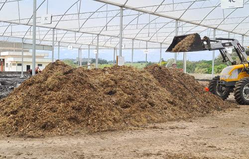 Resíduo do tratamento de esgoto se transforma em fertilizante. Foto: Governo de São Paulo
