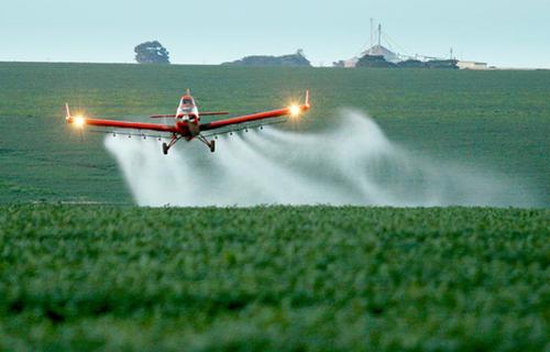 Defensivos agrícolas: Foto: Agência Brasil.