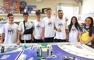 Equipe de robótica do Colégio Padre Cláudio Morelli