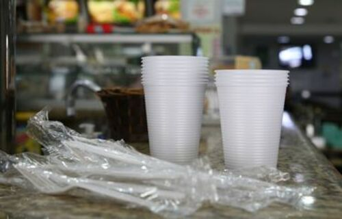 Plástico descartável. Foto: Agência Brasil.