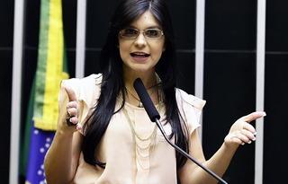 Deputada Professora Dayane Pimentel / Foto: Câmara dos Deputados