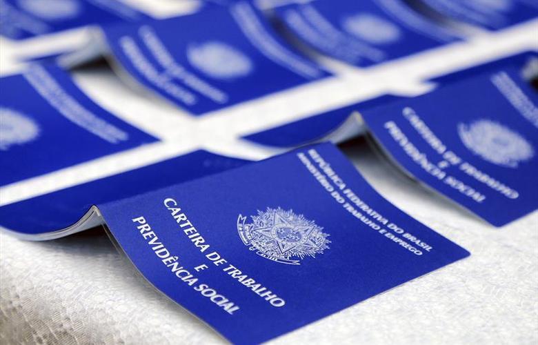 Economia: Brasil gera 43,8 mil empregos formais no mês de julho, aponta Caged